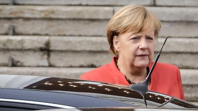 Am Mittag stattete Merkel dem Bundespräsidenten einen Besuch ab, um zu besprechen, wie es nun weitergeht.