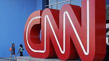 Präsident Trump war die Übernahme nicht zuletzt deshalb ein Dorn im Auge, weil es dabei auch um den kritischen Sender CNN ging.