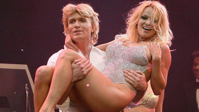 Hans Klok und Pamela Anderson haben bereits gemeinsame Bühnenerfahrung.