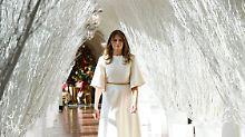 Der Himmel soll's richten: Melania Trump gibt das Engelchen
