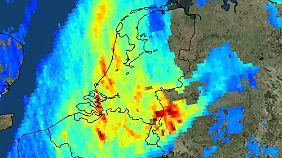 Die Luftverschmutzung über dem Ruhrgebiet ist deutlich zu erkennen.