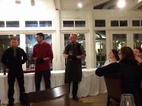Die Meister des Abends in Bülow's Steakrestaurant: (v.r.) Stefan Pistol, Jens Hacker und Christian Kerber, der Mann, der sich beim schottischen Malt bestens auskennt.