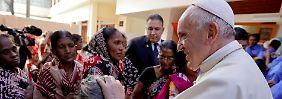 Diplomatisch heikler Besuch: Papst beendet schwierige Asienreise