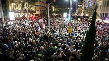 Vorwurf der Korruption: Zehntausende protestieren gegen Netanjahu