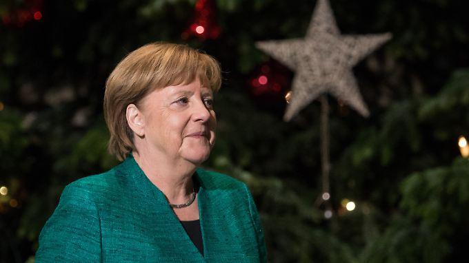 Am vergangenen Donnerstag wurde im Kanzleramt ein Weihnachtsbaum aufgestellt.
