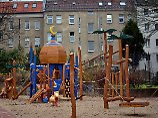 Politposse um Kuppelbau: Ali-Baba-Spielplatz in Berlin eröffnet