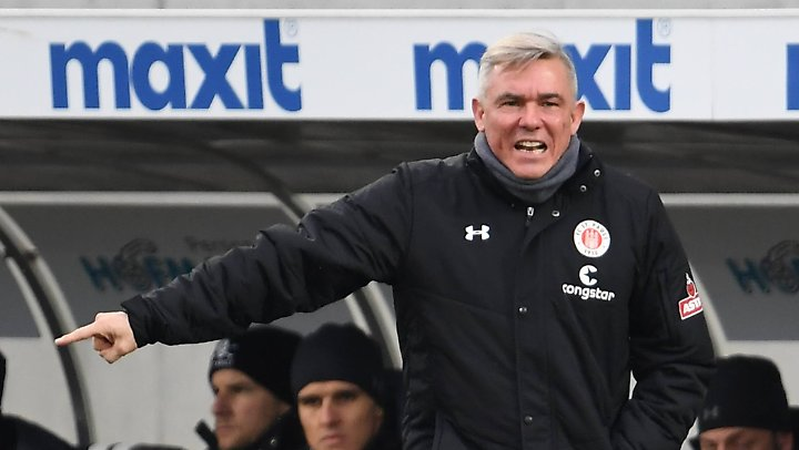 Freigestellt: Olaf Janßen beim FC St. Pauli.