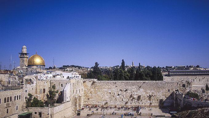 Die Jerusalemer Klagemauer liegt direkt am Tempelberg.