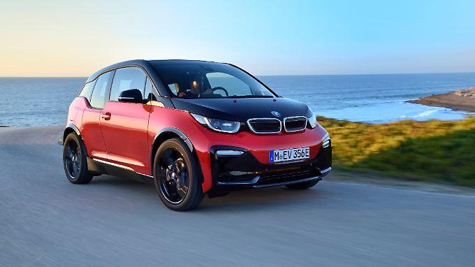 In 6,9 Sekunden beschleunigt der BMW i3s aus dem Stand auf Tempo 100.