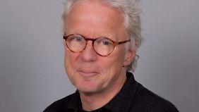 Albert Bremerich-Vos ist Professor in Rente für Linguistik und Sprachdidaktik an der Universität Duisburg-Essen.