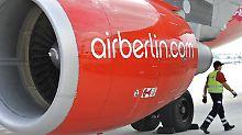 Rund die Hälfte der ehemaligen Air Berliner könnte zukünftig bei Lufthansa unterkommen.