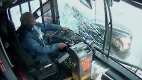 Glück im Unglück in Florida: Bus verliert Rad bei voller Fahrt