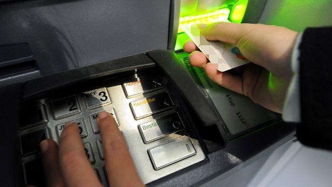 Knapp 60.000 Geldautomaten stehen in Deutschland.