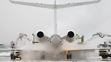 Schnee behindert den Flugverkehr: Fraport kämpft gegen den Winter
