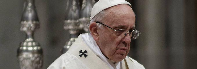 """Er verdreht dir den Kopf"": Papst warnt vor Kontakt mit dem Teufel"
