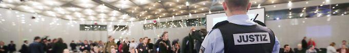 Der Tag: 11:50 Schöffen im Loveparade-Prozess dürfen bleiben