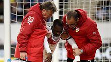 Der Sport-Tag: Stuttgarts Akolo erleidet Oberkörperstauchung