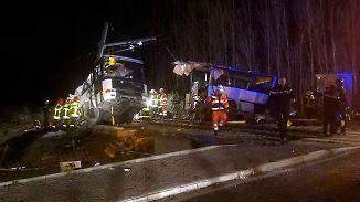 Vier Kinder sterben in Frankreich: Regionalzug kracht in Schulbus