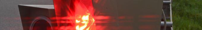 Der Tag: 13:59 Autodieb erstellt Fahndungsfoto selbst - in Radarfalle