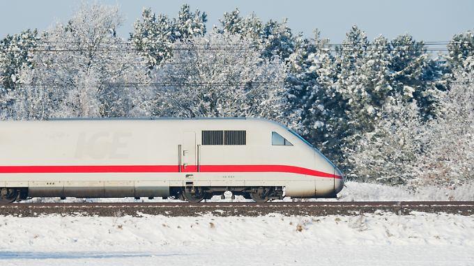Durch den Wintereinbruch am vorigen Wochenende wurden laut Bahn 19 ICE durch Schnee und Eis stark beschädigt.