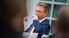 FDP-Chef Lindner: Auf seine Partei entfallen den Umfragen zufolge weiterhin nur 8 Prozent. Bei der Bundestagswahl erreichte sie 10,7 Prozent.