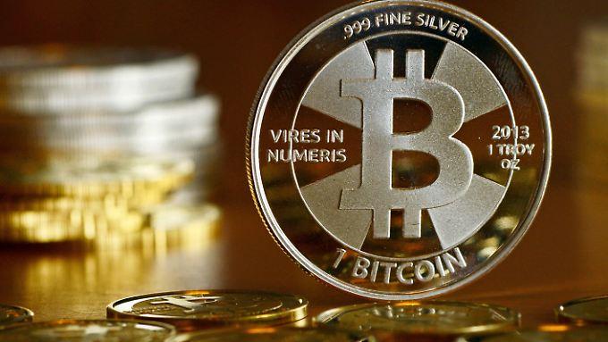Die Kurskapriolen beim Bitcoin halten die Anleger in Atem.