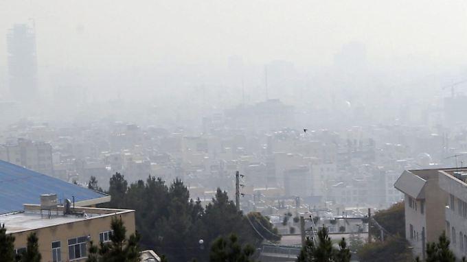 Teheran leidet unter massiver Luftverschmutzung.