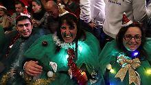 Viele Spanier warten gespannt auf die Auslosung.