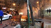 Ruhani plant Krisensitzung: Mehrere Tote bei Ausschreitungen im Iran