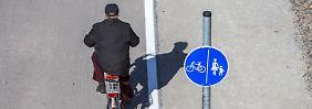 Mal auf, mal neben der Straße: Wo Radler tatsächlich fahren dürfen