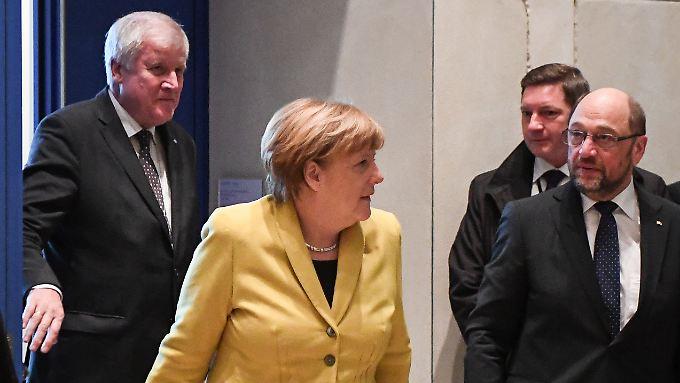 Die Parteichefs Seehofer, Merkel und Schulz (v.l.) trafen sich bereits im Dezember.