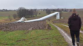 Vor einem Jahr ist auch in Sachsen ein Windrad umgeknickt.