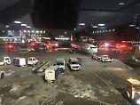 Heck steht in Flammen: Zwei Flugzeuge kollidieren in Toronto