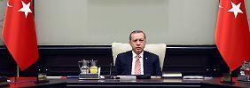 """""""In großen Schritten wegbewegt"""": EU stellt Türkei vernichtendes Zeugnis aus"""