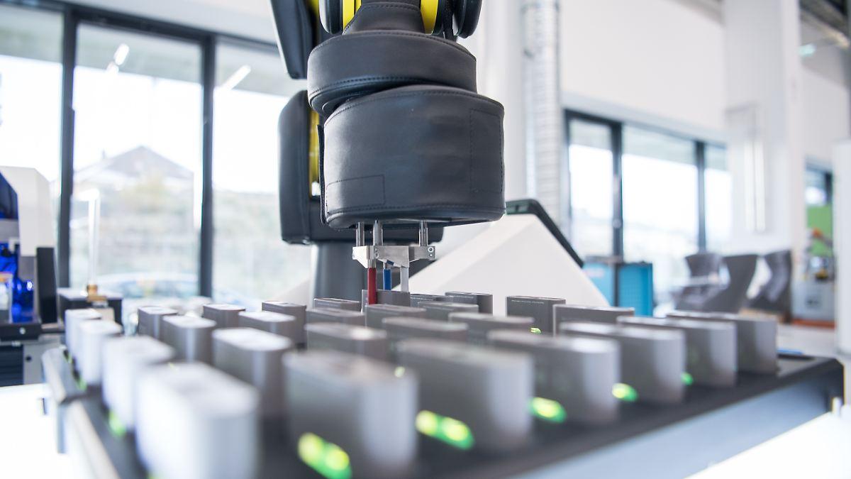 Forscher tüfteln an komplett vernetzter Fabrik