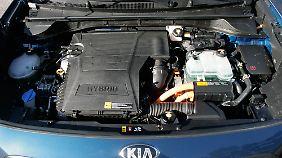 105 PS leistet der Vierzylinder-Direkteinspritzer. Weitere 44 PS produziert ein Elektromotor.