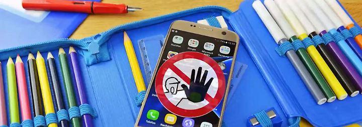 Eingelöstes Wahlkampfversprechen: Frankreich verbietet Handys an Schulen