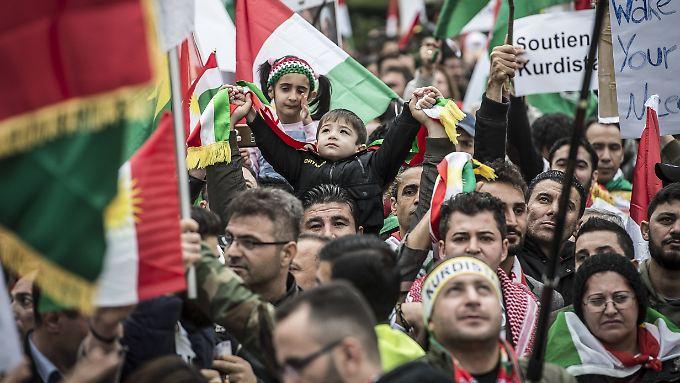 Kurden sehnen sich nach einem unabhängigen Staat. Auch wie hier in Brüssel, gingen die Menschen dafür auf die Straße.