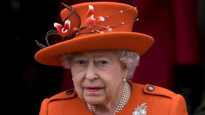 Queen Elizabeth kauft ihre Unterhosen nach 57 Jahren nun bei einem anderen Hersteller.