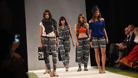 Auch für Erwachsene bietet Tchibo nachhaltige Kleidung an.