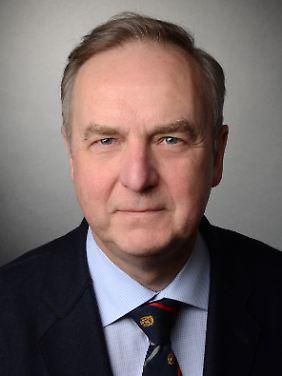 Dr. Alfred Wiater ist Vorsitzender der Deutschen Gesellschaft für Schlafforschung.