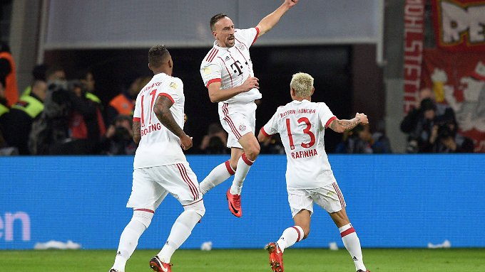 Münchens Franck Ribery traf zum zwischenzeitlichen 0:2 bei Bayer Leverkusen.