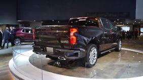 Der Chevrolet Silverado hat als erster Pick-up eine elektrisch öffnende Heckklappe.