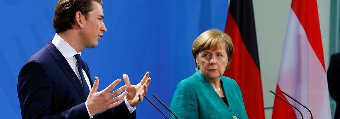 """NS-Symbolik in Österreich?: Kurz' Ohren streiken im """"richtigen"""" Moment"""