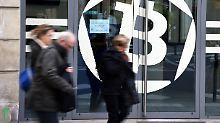 Kryptowährungen brechen ein: Bitcoin fällt unter 7000 US-Dollar