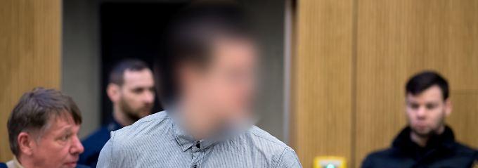 Prozess um Amoklauf in München: Waffenhändler zu Haftstrafe verurteilt