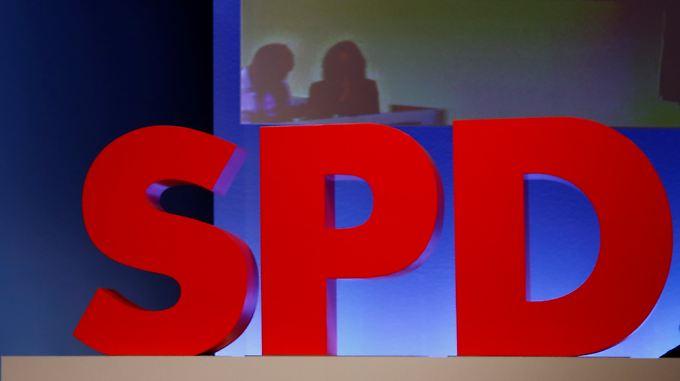 SPD-Chef Martin Schulz wirbt für eine Große Koalition - doch es gibt Widerstand.