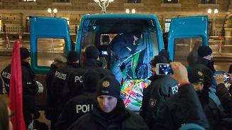 Schlägerei bei Protesten in Deutschland: Kurden und Türken stoßen gewaltsam zusammen