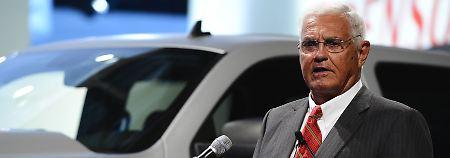 Bob Lutz sieht schwarz: Auto-Veteran sagt Tesla-Pleite voraus