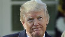 Donald Trump betritt in Davos vermintes Gelände. Angela Merkel bietet seiner Abschottungspolitik Paroli.